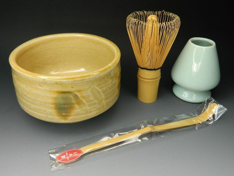 画像1: 抹茶セット  茶筅直しもついてくる お抹茶セット4点 黄瀬戸焼抹茶碗 茶道具