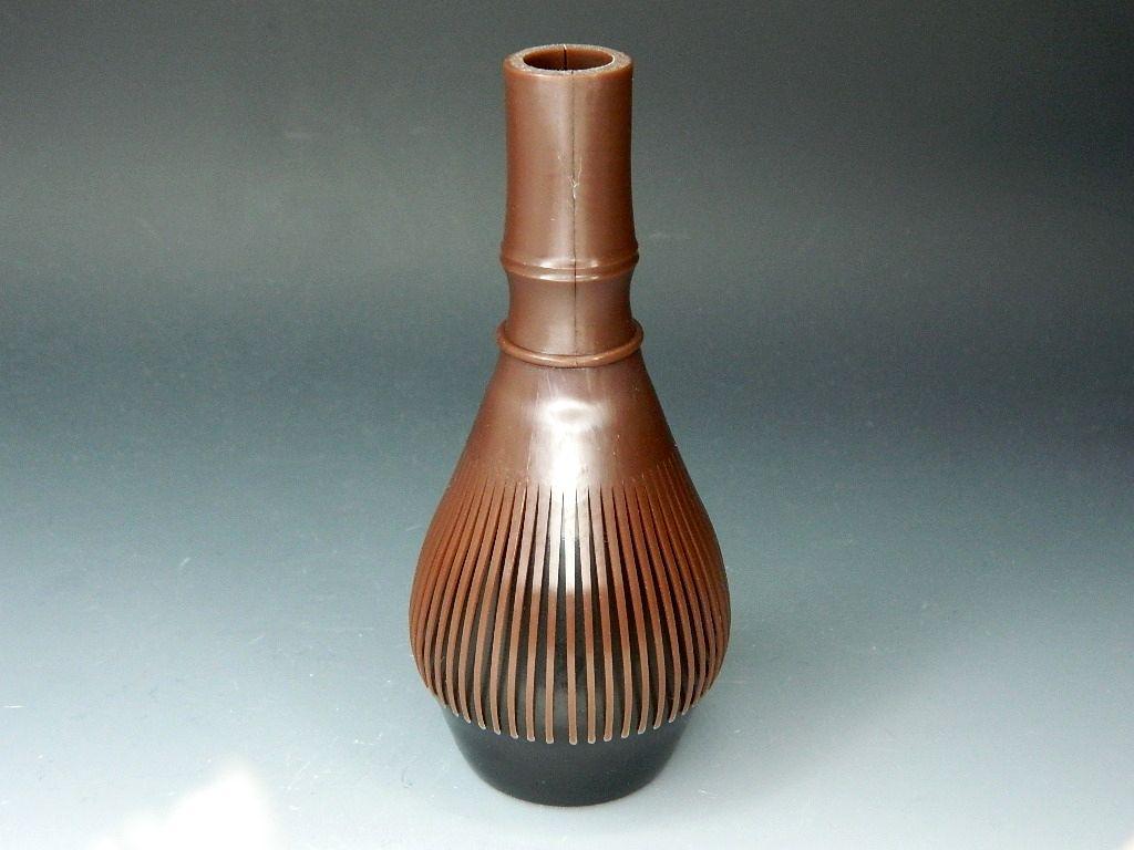 画像2: 繰り返し使える 茶筅(茶せん・ちゃせん) すす竹色 日本製 茶道具