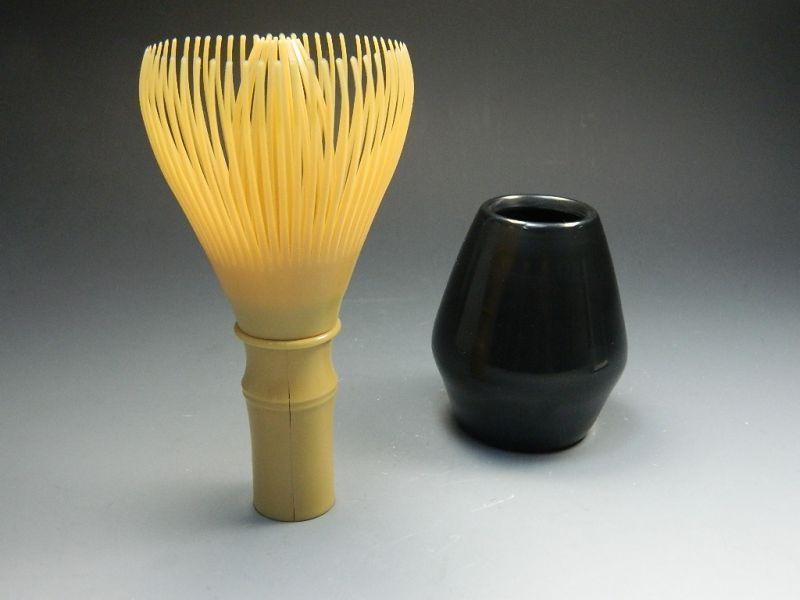 画像1: 繰り返し使える 樹脂茶せん 樹脂茶筅 茶筅(茶せん・ちゃせん) 白竹色 日本製 茶道具